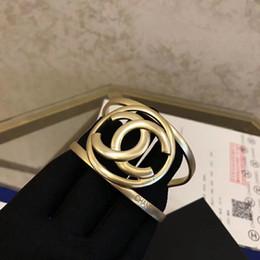 Canada Top qualité marque et matériel en laiton amour punk ouvert creux Bracelet large conception manchette Bracelet bouton de manchette bracelet femmes et cadeau mère PS5 cheap gold wide cuff bangle Offre