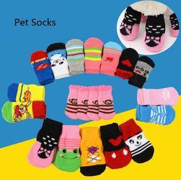 welpen socken Rabatt 4pcs / set Haustier-Hundekatze Warme Socken für Herbst-Winter-Nette Welpen Anti-Rutsch-Socken-Strick Hunde Bekleidung Katzen Socken Bekleidung Zubehör