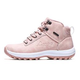Algodón impermeable al aire libre online-Invierno Nuevo para mujer para hombre impermeable de los zapatos de alta algodón para hombre de escalada al aire libre zapatos antideslizante Senderismo trabajo botas de nieve