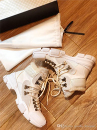 Kürk ile Womens FlashTrek Spor ayakkabıları, Sert Kauçuk Sole Platformu Martin Ayakkabı Sıcak Kış Bilek Boots Yürüyüş Sneaker nereden otel terlikleri tedarikçiler
