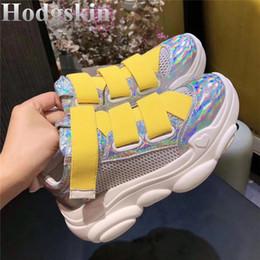 gancho liso Desconto Europa Estação de Malha Sola Grossa Plataforma Plana Sapatos de Basquete das Mulheres Gancho Loop Oco Chunky Sneakers Casual Running Shoes