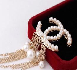 rote diamante brosche Rabatt heiße Marke Designer Broschen Famous Luxuxperlen Brosche Frauen-Diamant-Brosche Mode Frauen Schmuck Kostüm Dekoration F06