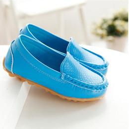 2019 chaussures en gros de brevets pour bébés Cuir Véritable Bébé Filles Chaussures Vache Muscle Bas Fond Doux Casual Chaussures À La Main Petites Filles Chaussures