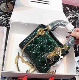 pequeños bolsos de cuero negro baratas Rebajas 2018 Nueva tendencia de verano Versión coreana de la personalidad salvaje Patente Patrón de cuadrícula de cuero Mini bolso de hombro