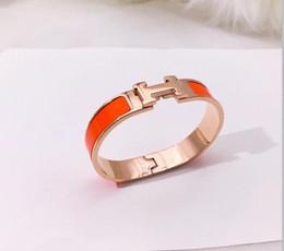 2019 i migliori modelli in oro dei braccialetti New top luxury lettera titanium acciaio oro rosa braccialetto oro amore braccialetto uomini e donne designer di gioielli per uomini e donne professionale d