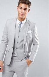 costume skinny beige clair Promotion Dernières conceptions de pantalons manteau gris clair hommes costume de mariage costumes Slim Fit veste slim costume personnalisé Groom Tuxedo 3 pièce masculin