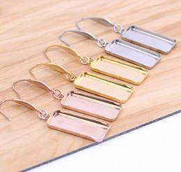 Aretes rectangulares online-Los hallazgos de los ganchos de los pendientes de acero inoxidable de oro rosa de shukaki se ajustan a los marcos de ajuste de la base del cabujón rectangular de 10x25 mm.