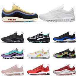 2019 femmes max sport nike air max 97 classique 97 chaussures Hommes femmes Running Chaussures Noir Rouge Blanc Trainer Coussin Surface Respirant Sport sneaker Chaussures taille 36-45 femmes max sport pas cher