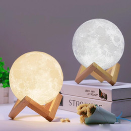 Lámpara led luz de luna online-3D LED Night Magical Moon LED Light Moonlight Desk Lamp USB recargable 3D Light Colors Stepless para decoración del hogar luces de Navidad