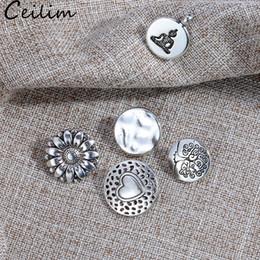 2019 pulsanti a forma di cuore Alta qualità cuore amore fascino ciondolo in acciaio colore metallo nero parola per gioielli fai da te fare forniture moda fiore forma pulsanti charms sconti pulsanti a forma di cuore