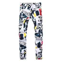 Мужские белые брюки онлайн-Fashion stretch mens jeans white letters printing men slim fit elastic casual trousers Tight denim printed pants 2019 New brand
