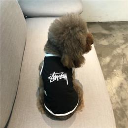 Moda Roupas de Pelúcia Luta Popular Letras Logo Gato Roupas de Vestuário para cães Primavera Verão Outfit Pet T-Shirt de Manga Curta Colete Fino Estilo de
