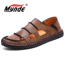 Sommer Männer Sandalen aus Leder Fashion Zehensandale Marke handgemachten Männer Holes Breathable beiläufigen Männer Schuhe Große Größen 38 48