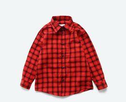 2019 Новая летняя мода для детей Красно-желтые клетчатые футболки с v-образным вырезом Кардиган школьники мальчик осеннее пальто одежда от Поставщики красная одежда