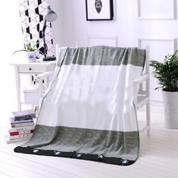 Alfombras de rayas online-Carta manta para la cama sofá cama aire acondicionado Sofe Coral Velvet franela raya alfombra regalos de Navidad HH7-1482