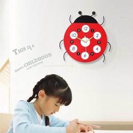 2019 timer remoto digitale 3D real Ladybug Quarzo orologio da parete wall sticker soggiorno Camera dei bambini Decorazioni da parete Muto per orologi Regali