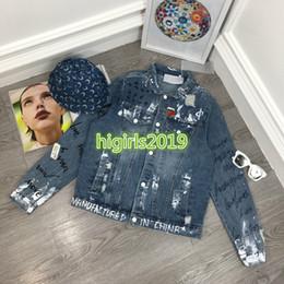 2019 langarmhemden brosche High-End Frauen Mädchen Denim Bomber Jacken gebrochen Loch Graffiti Brief Brosche Langarm Bluse Hemden Mode-Design Luxus Sweatshirt Tops günstig langarmhemden brosche