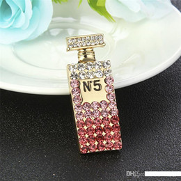 2019 jóias de badminton Nova moda na moda broche banhado a ouro cristal Marca letra luxo Designer Perfurm Garrafa Brooch Pin para Meninas Mulheres Jóias presente QUENTE
