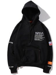 camisas de marcas de nombre Rebajas 19SS Euro-American Hip-hop Brand Hat Coat Nasa Joint Name Sanitary Wear Bordado Letter Loose Men and Women Hat Shirts ins