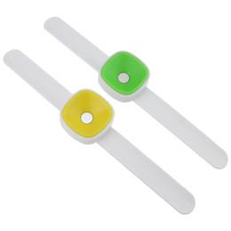 Caixa de armazenamento de pinos on-line-Caixa De costura Magnética Agulha Pin Cushion Neddlework Magnética Catcher Ferramentas De Costura Diy De Pulso Portátil Kit Caixa De Armazenamento De Ferramentas
