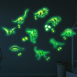 2019 arte de pared de plástico de mariposa Luminosas pegatinas dinosaurio etiqueta de la pared del dormitorio fluorescente 3pcs Decoración del hogar
