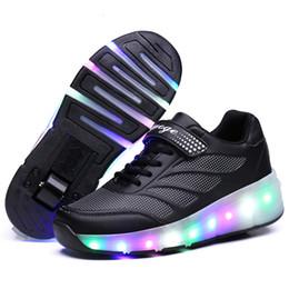 2019 zapatos de led rosa niños Los niños que brillan las zapatillas de deporte con ruedas de LED se encienden Roller Skates Zapatos Sport luminoso iluminadas para niños Niños Rosa Azul Negro T190916 zapatos de led rosa niños baratos