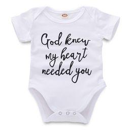 5t ropa para niños online-Mono recién nacido mamelucos del bebé infantil niña niño diseñador de ropa carta impresa blanco de manga corta para niños pequeños 43