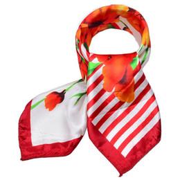 Горячая бандана онлайн-Hot Sale Small Square Satin Scarf Artifical Silk Scarf Foulard Femme Elegant Women's Wrap Handkerchief Bandana Accessories