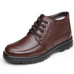 Botas de neve velhas on-line-Os últimos 2018 sapatos de algodão confortável para os homens de meia-idade e velhos, antiderrapantes wearable botas de neve quente