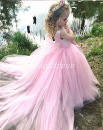 abiti da sposa per il treno dei bambini Sconti 2019 Princess Baby Pink Ball Gown Flower Girl Abiti Bateau Backless Sweep Treno Bow Puffy Ragazze Pageant Dress Bambino Festa di Compleanno Abiti