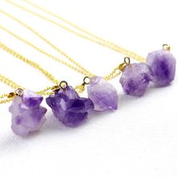 Gargantilla de cristal morado online-Amatistas Collares Para Las Mujeres Mujer Gargantilla Collar Chapado en oro Irregular Púrpura Cristal Cuarzo Rebanada Colgante de piedra natural Collares