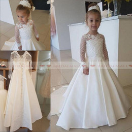 2019 l'abito delle ragazze fiorisce giallo 2019 Avorio in pizzo satinato Applique Flower Girl Dress per la festa nuziale Maniche lunghe Little Kids Girls prima comunione Gowns Christmas Pageant