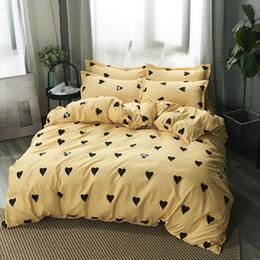 Quilt setzt gelb online-Yellow Love Bettwäsche-Set Weiche Bettbezug Kissenbezug Warm Weiche Bettgarnituren Twin Full Queen King Bettbezuggarnituren Cartoon Bettwäsche