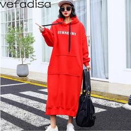 Plüsch farbe kleid online-Vefadisa Solid Color Sweatshirt Frauen Brief Mit Kapuze Sweatshirt Winter Plüsch Langes Kleid mit Tasche für Mädchen ZLD433