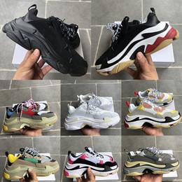 sapatos de borracha para mulheres china Desconto Factory Direct Paris Triple-S Luxo sapatos casuais mens mulheres Ginásio Branco Pista Triplo Preto Vermelho Grey amantes Plataforma sapatos de designer sneakers