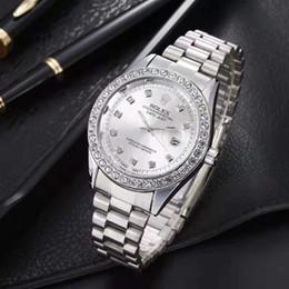 2019 reloj de pulsera para colorear Las últimas relojes Top hombres de lujo del reloj automático de 40 mm Fecha moda reloj de diamantes de la venda de acero cuarzo de los deportes del reloj maestro Stacked hebilla de los hombres de G