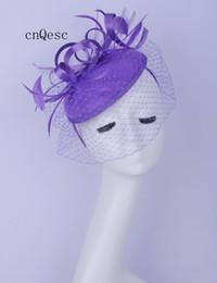 Фиолетовая фетровая шляпа онлайн-2019 Фиолетовый дамы вечернее платье шляпа шерсть чувствовал чародей Кентукки Дерби свадебные гонки свадебный душ мать невесты с пером