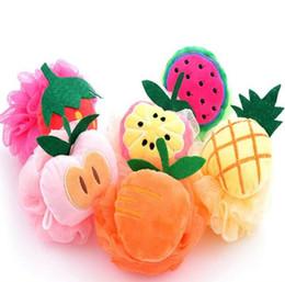Скраб для фруктов онлайн-Fruit Shape Bath Ball Ванная комната Губка для протирки Полотенце Прекрасный Моделирующий Очищение Тела Скраб для Душа Мочалки GGA2022