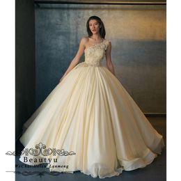 2019 Dolce 16 Ball Gown Quinceanera Abiti giallo chiaro una spalla pizzo Top elegante chiffon abiti da 15 anni abito da ballo lungo da
