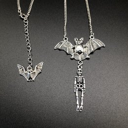gothic vampire necklace Coupons - Europe America Vampire Bat Terrorist Skull Skeleton Necklace Gothic Punk Style Necklace Personality Creativity Best Friend Halloween Gift