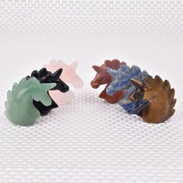 Großhandel Natürlichen Kristall Edelstein Tier Hand Geschnitzte Einhorn Figur Heilende Energie Kristall Raumdekoration Weihnachtsgeschenk von Fabrikanten