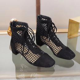 2020 sandalias casuales de las señoras nuevo estilo El diseñador de moda atractivo de señora sandalias tejidas botas nuevo estilo de tiras de recorte tacones ata para arriba los Cargadores de la sandalia de malla sandalia mujer Zip verano rebajas sandalias casuales de las señoras nuevo estilo