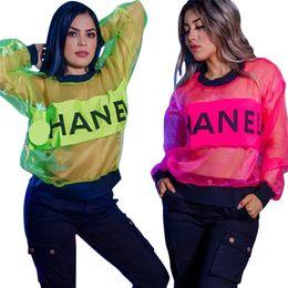 Diseñador Mujer Ropa de Verano Organza Hoodie T shirt Marca Carta de Impresión Blusas Transparentes Mujeres Club Deportivo Tops Playa Cover Up C62608 desde fabricantes
