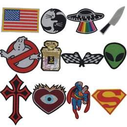 2019 superman flaggen Superman Alicen Zielflaggen-Messer-Universum-Kreuz-Flecken für Kleidungs-Patchwork gestickte Appliques-Kleidungsstück-Aufkleber-Abzeichen rabatt superman flaggen