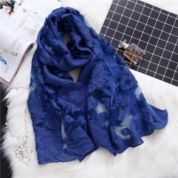 2019 copertine classiche di caramelle 2019 donne di marca del progettista della sciarpa del merletto di modo scava scialli estate e avvolge la signora sciarpe di seta spiaggia stole crema solare pashmina