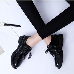 estilo oxfords nuevo estilo mujer Rebajas Pisos de mujer Nuevo estilo británico Zapatos Oxford Mujer Primavera Suave de cuero Zapatos casuales Retro Borla Lace Up Zapatos planos de mujer ALF211