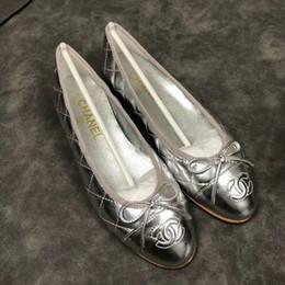 Hot vendas new arrival marca mulheres sapatos de couro genuíno designer de moda slip-on mulheres flats mulheres de alta qualidade mocassins tamanho eur35-41 mx102 supplier designer flat shoes sale de Fornecedores de designer sapatos venda