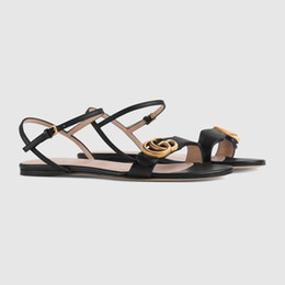 2019 malla de encaje hasta zapato de playa Venta nueva moda de cuero plana sandalias de las mujeres de alta calidad de color mezclado envío gratis con caja en blanco y negro sandalias de las señoras