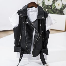 Женские кожаные жилеты онлайн-Punk Faux Leather Vest Jacket Women Sleeveless Motorcycle Biker Jackets Black Waistcoat Retro Cool Female Zipper Short Coat 4XL