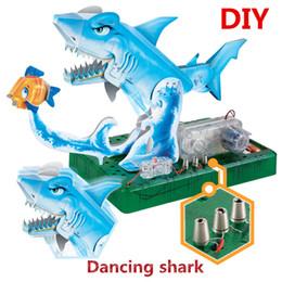 Elektrische spielzeug online-Lernspielzeug Wasserwelt DIY Montage 3D Origami Elektrotanz Hai-Modell: Student Wissenschaft Schaltung Spielzeug Kinder Kind Geschenk